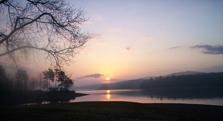 Sunrise on Lake Greeson, Daisy State Park.